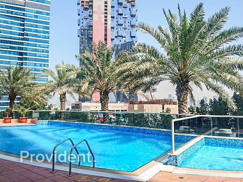 2Bed + Maids | Golf Course View | Mid Floor