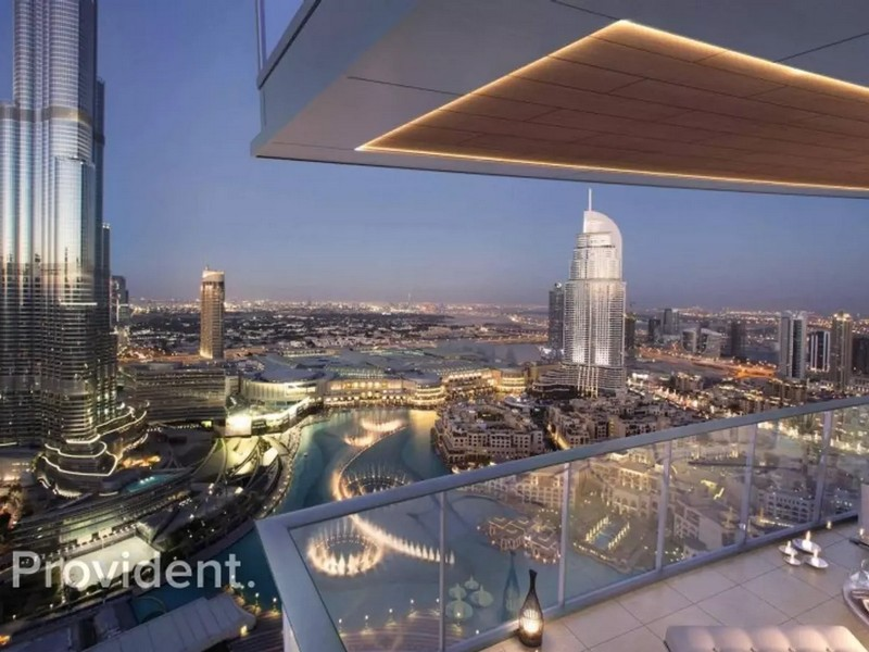 High End | Full View of Fountain and Burj