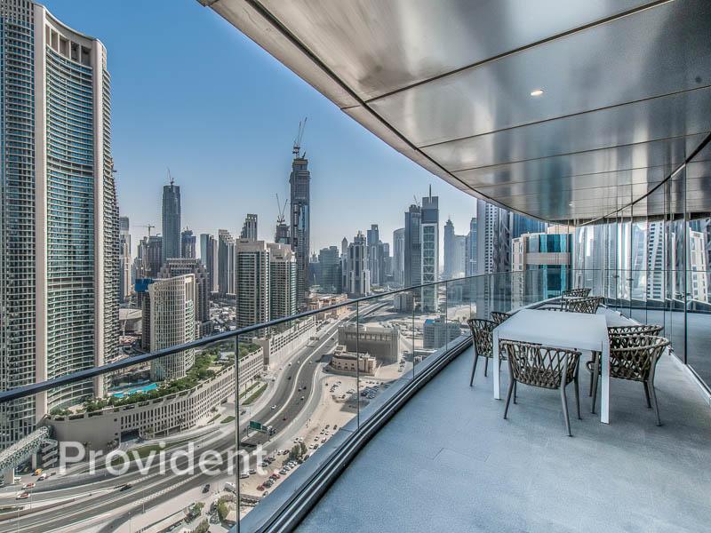 04 Series | Big Terrace Overlooking Burj Khalifa