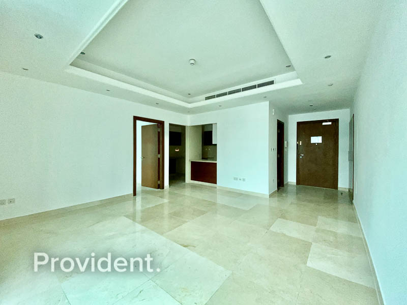 Stunning View   Spacious Layout   Well Maintained