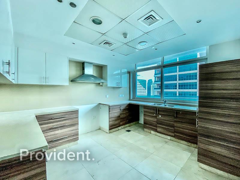 Huge Layout | 2 Balconies | Marina View