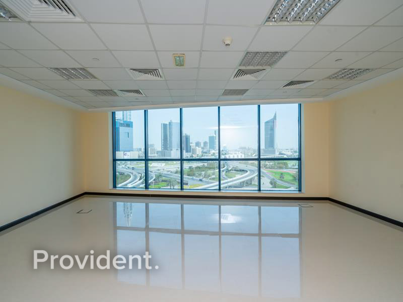 Beautiful Full Golf View | Middle Floor