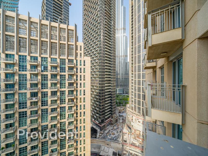Burj Khalifa View | Tenanted | Study Room
