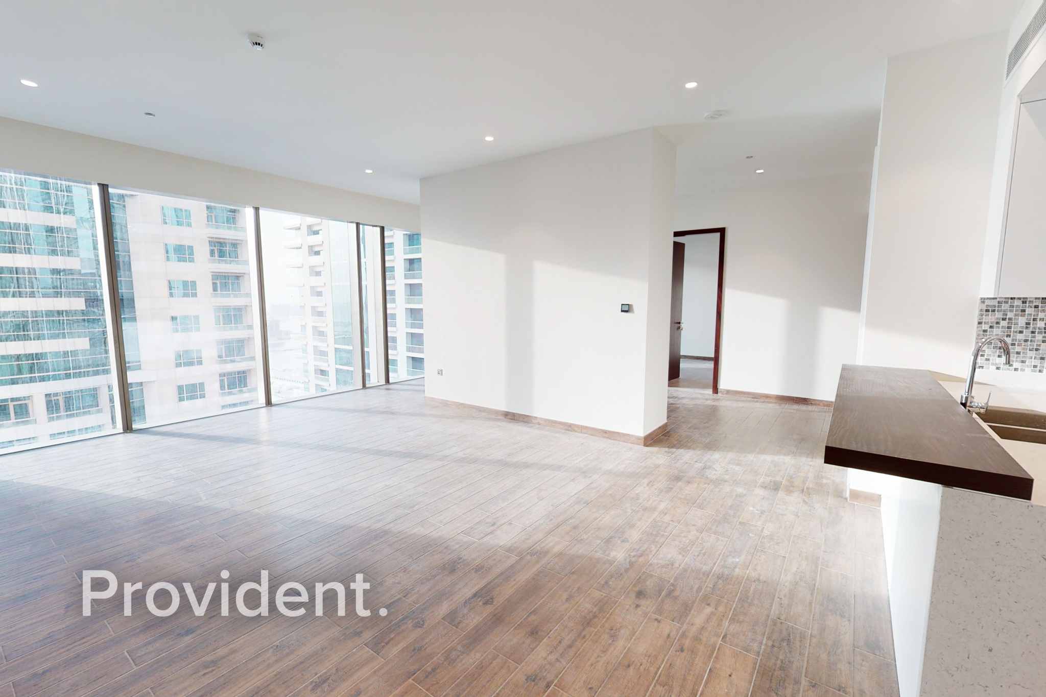 Huge 3BR Corner Layout|Middle Floor|Move In Ready