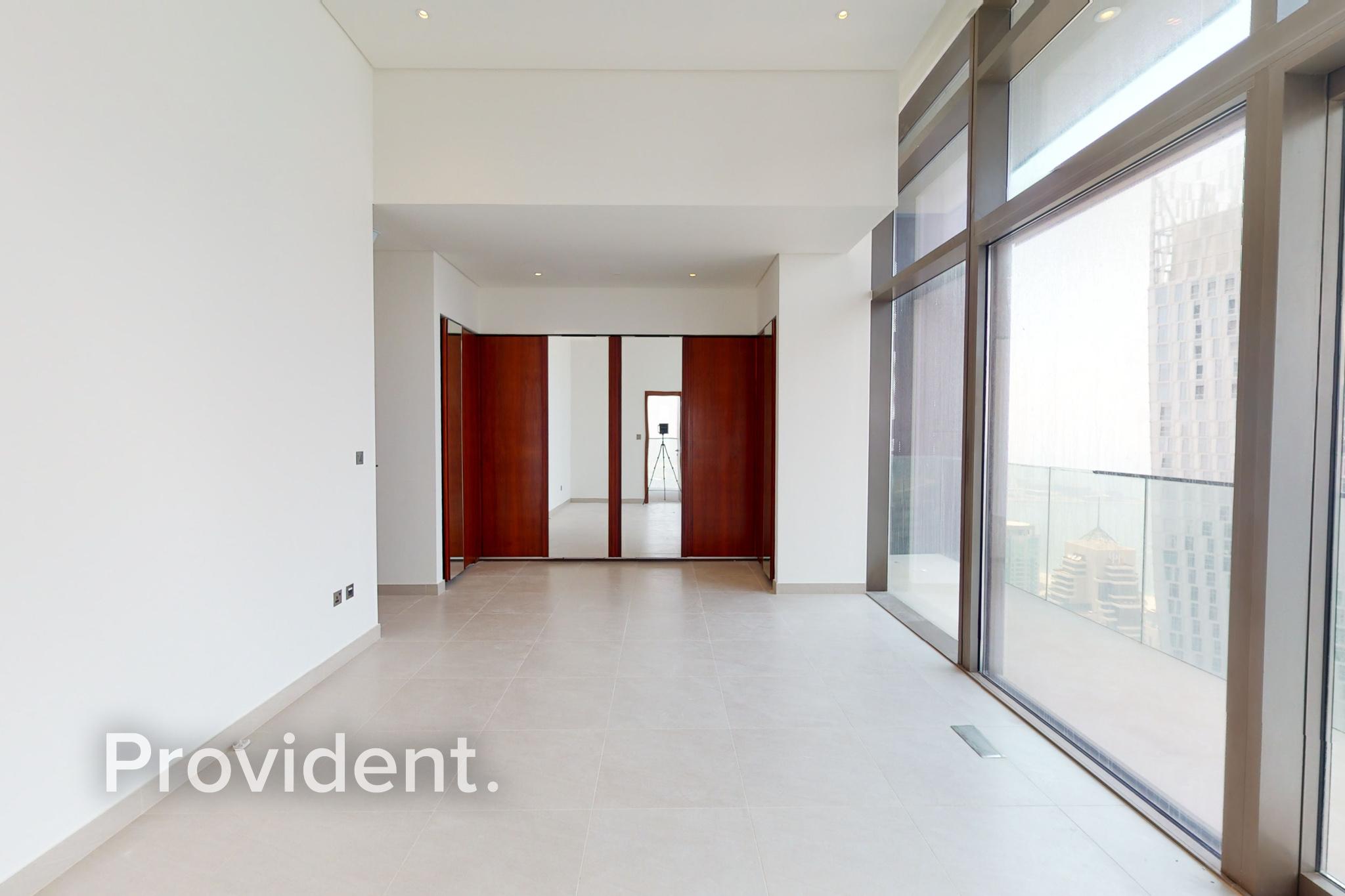 Luxurious  4BR Penthouse | Panoramic Marina View