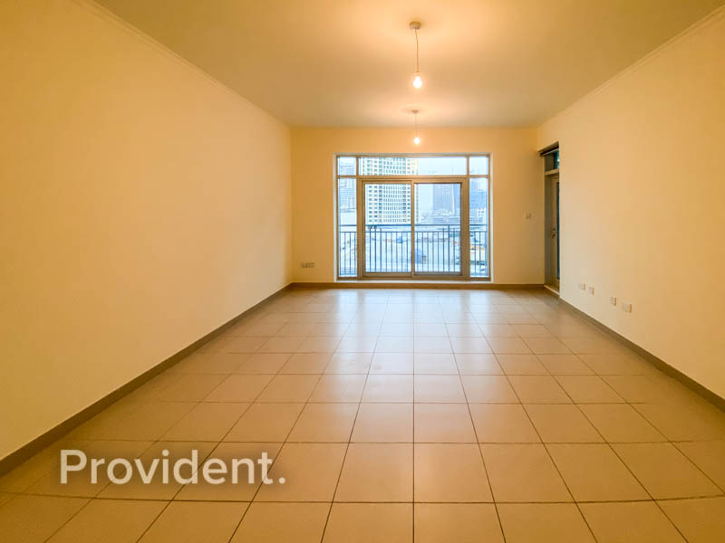 Spacious with Bright Setting | 6 Cheques