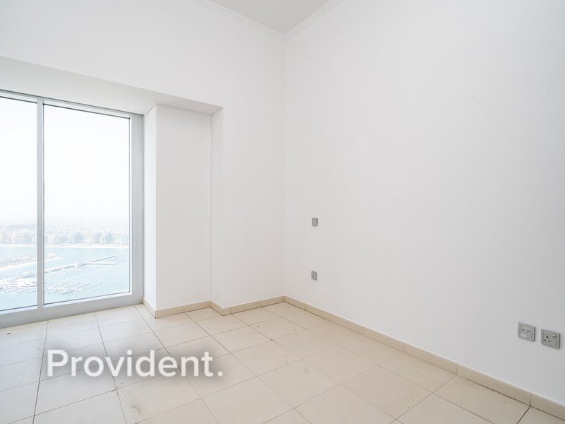 Vacant  With Sea View and Balcony