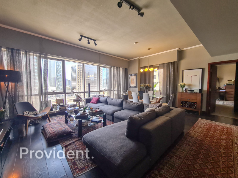 Great Layout | Well Maintained | Mid Floor