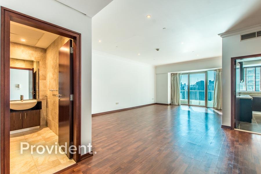 Duplex + Store/High Floor w/ Full Marina View
