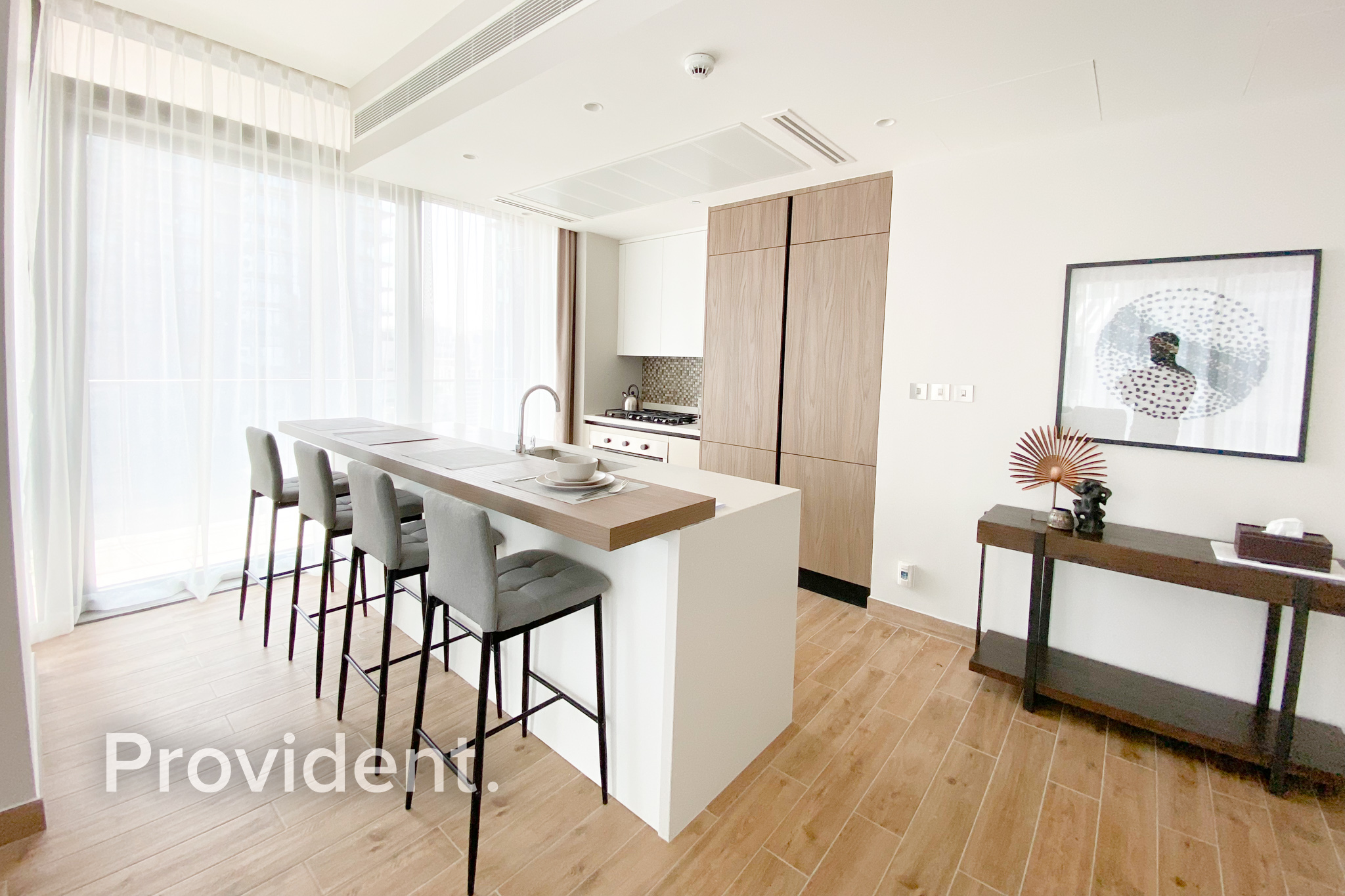 Contemporary|Corner Unit |Fully Furnished| AC Free