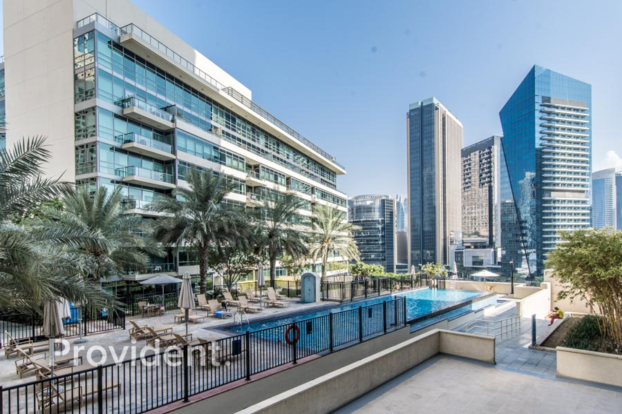 Heart of Marina | Bright and spacious | Vacant Now