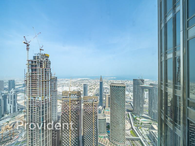 Burj Park, Canal View | Mid floor | Furnished