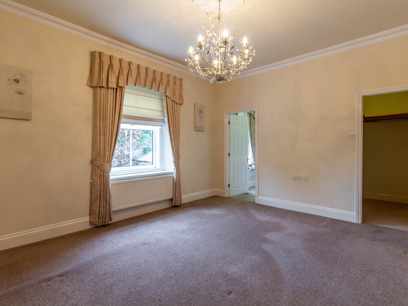2 Bed Apartment For Sale in Leeds | Surrey