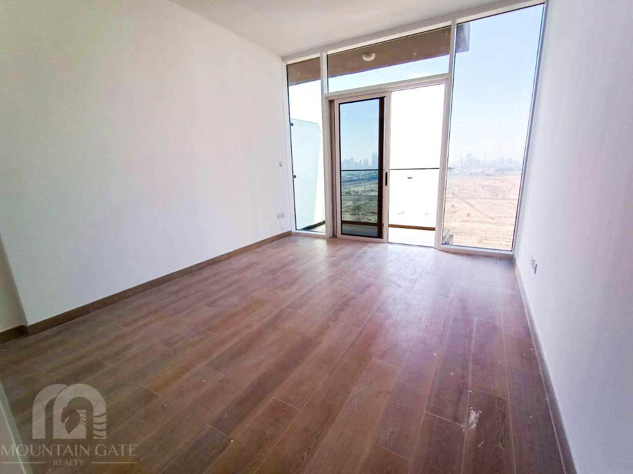 Brand New Ready To Move Balcony In JVC
