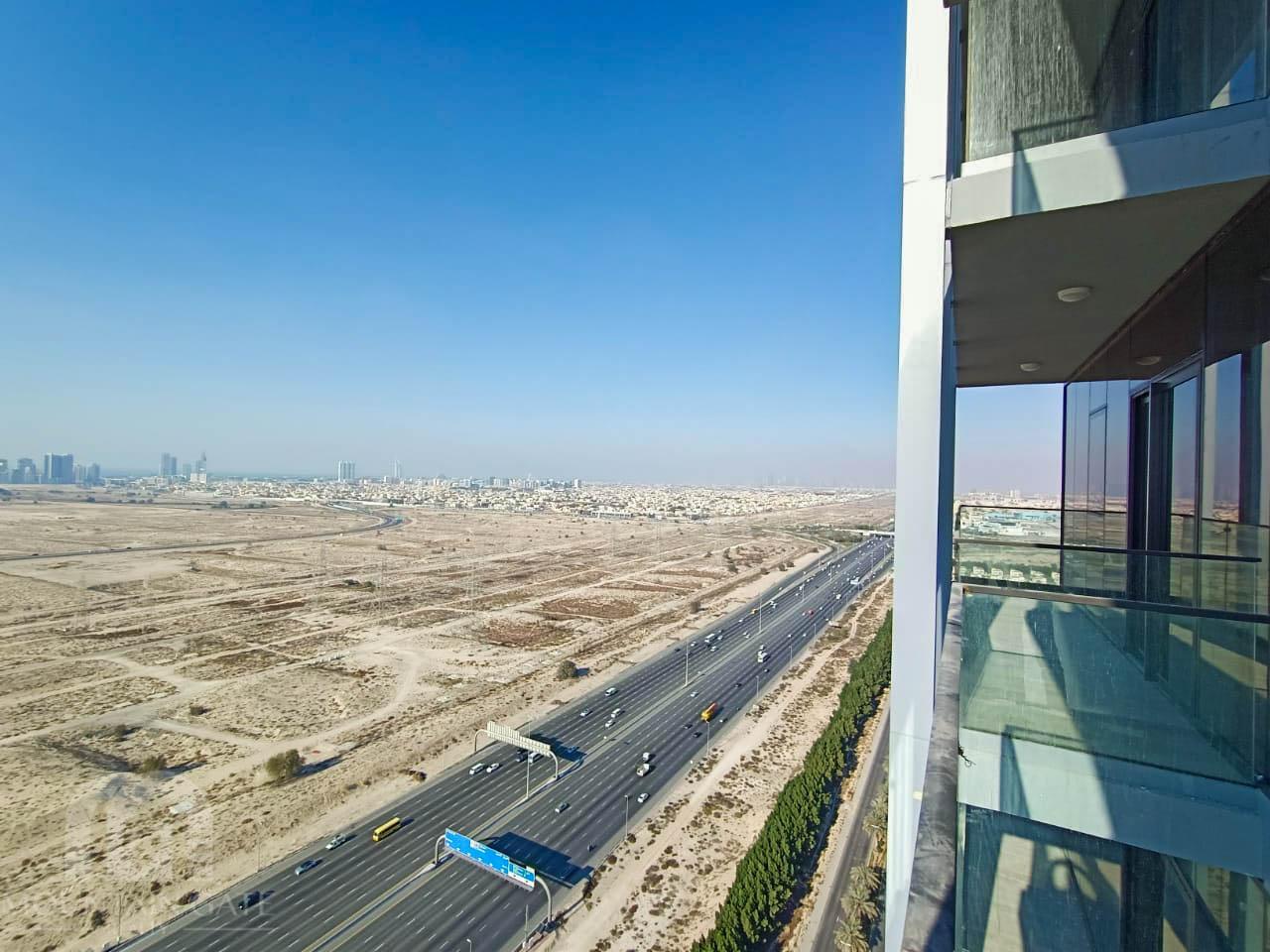 Balcony Mid Floor Spacious Amazing View