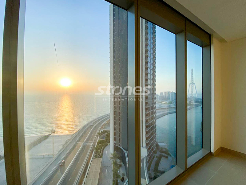 Bright and Spacious Apartment With Sea View