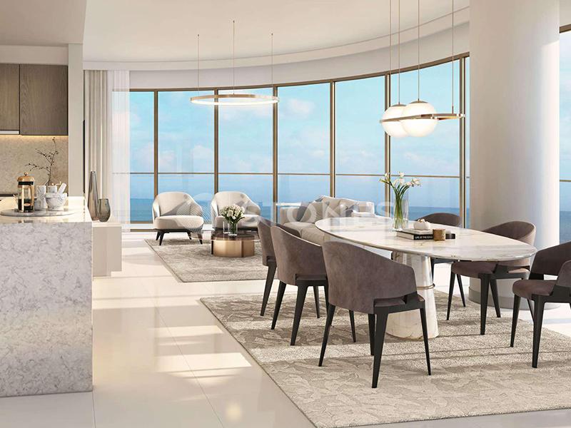 Genuine Listing |Luxury Beachfront Apartment