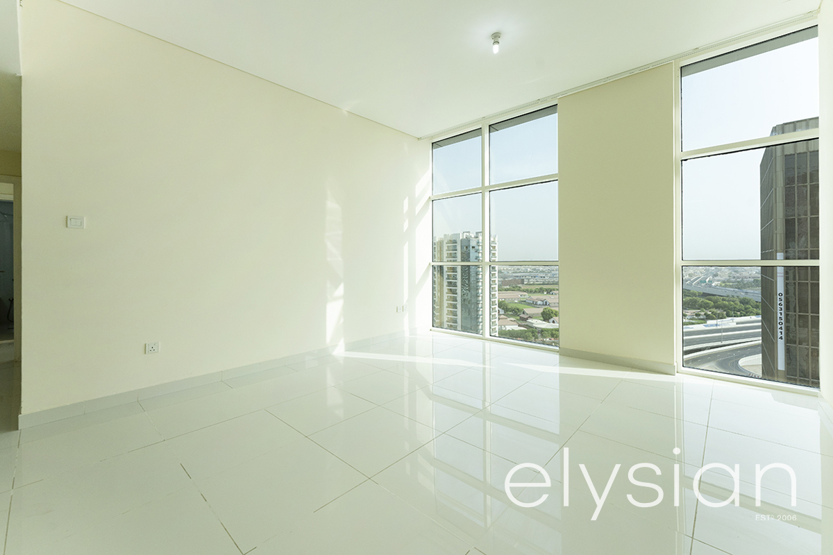 Best Property Immaculate Spacious 2 Bedroom | Sunlit Rooms