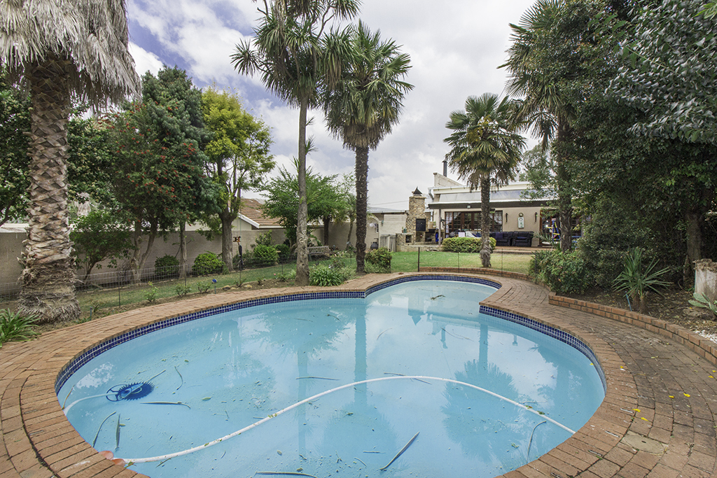 4 BedroomHouse For Sale In East Town