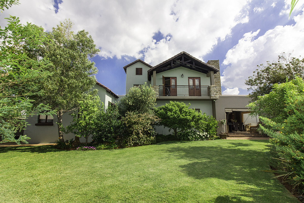 3 BedroomHouse For Sale In Serengeti Golf And Wildlife Estate