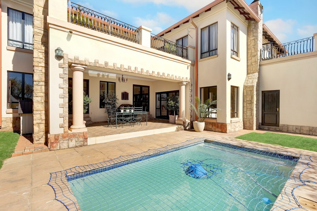 4 Bedroom House for sale in Fourways LH-1847 : photo#1
