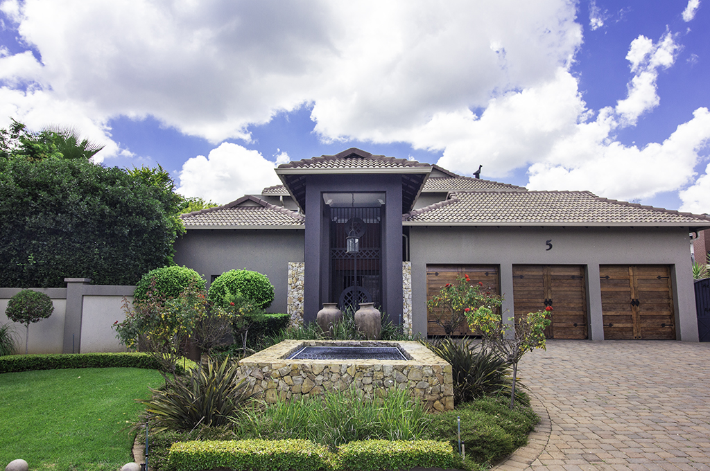 5 BedroomHouse For Sale In Midstream Estate