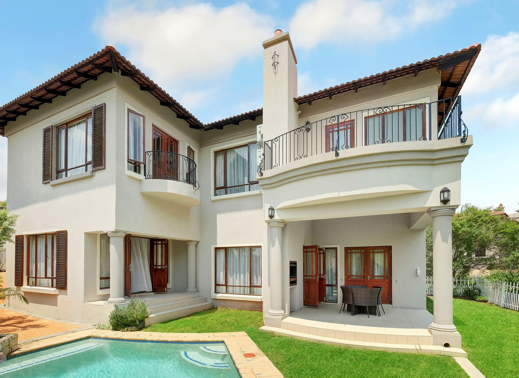 3 BedroomHouse For Sale In Douglasdale