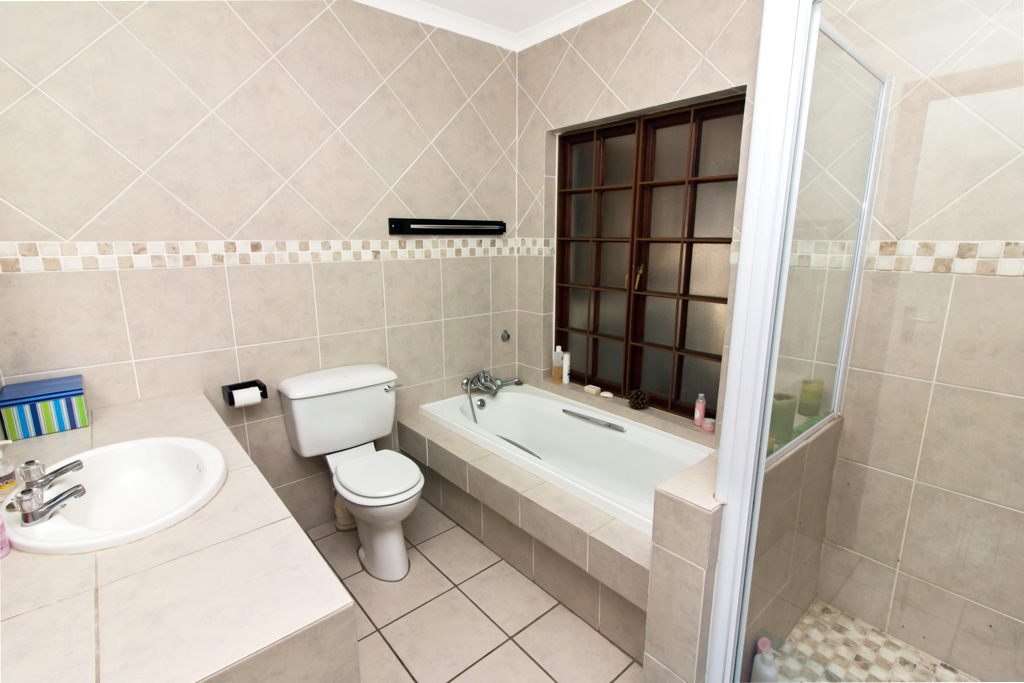 4 Bedroom House for sale in Fourways LH-2839 : photo#18
