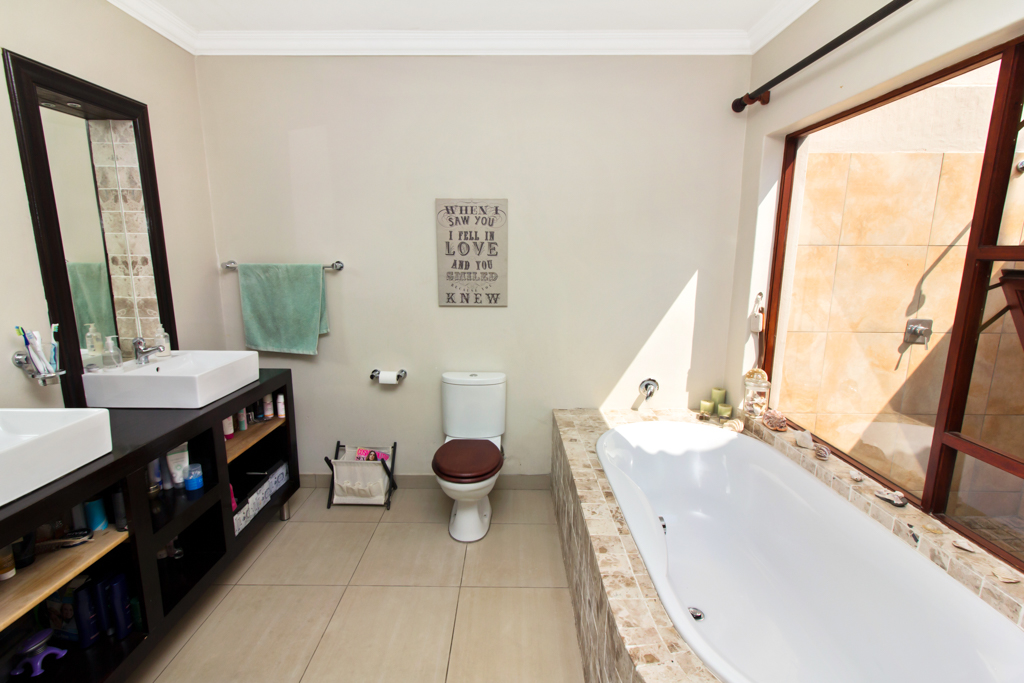 4 Bedroom House for sale in Fourways LH-2839 : photo#15
