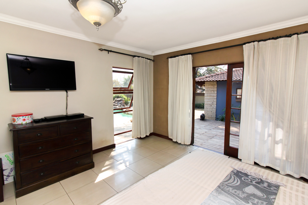 4 Bedroom House for sale in Fourways LH-2839 : photo#13