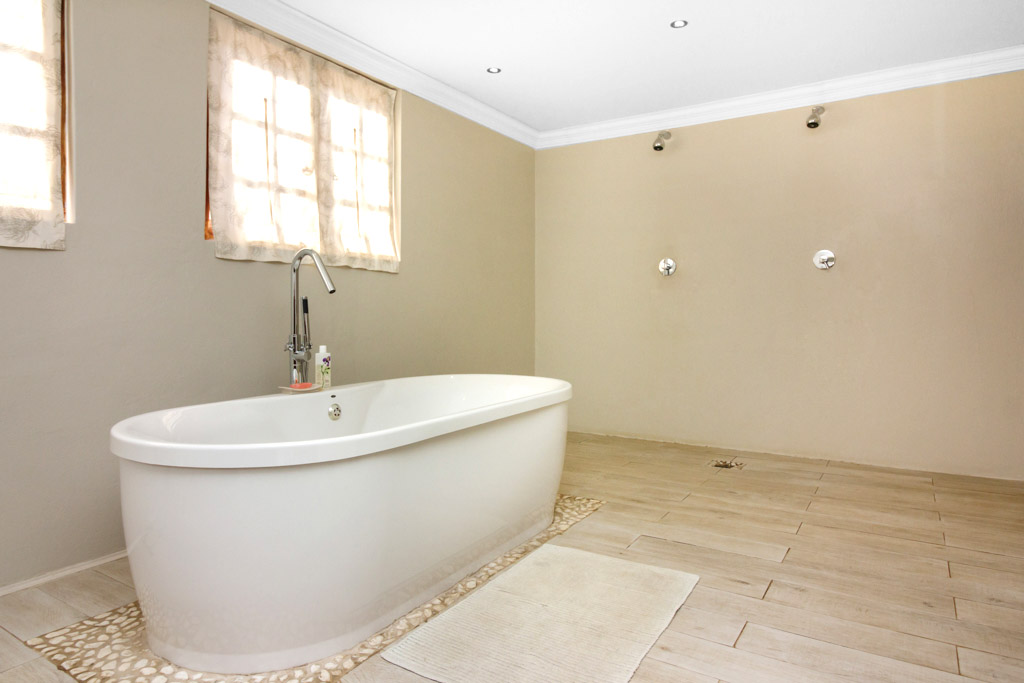 8 Bedroom House for sale in Northcliff LH-2961 : photo#12