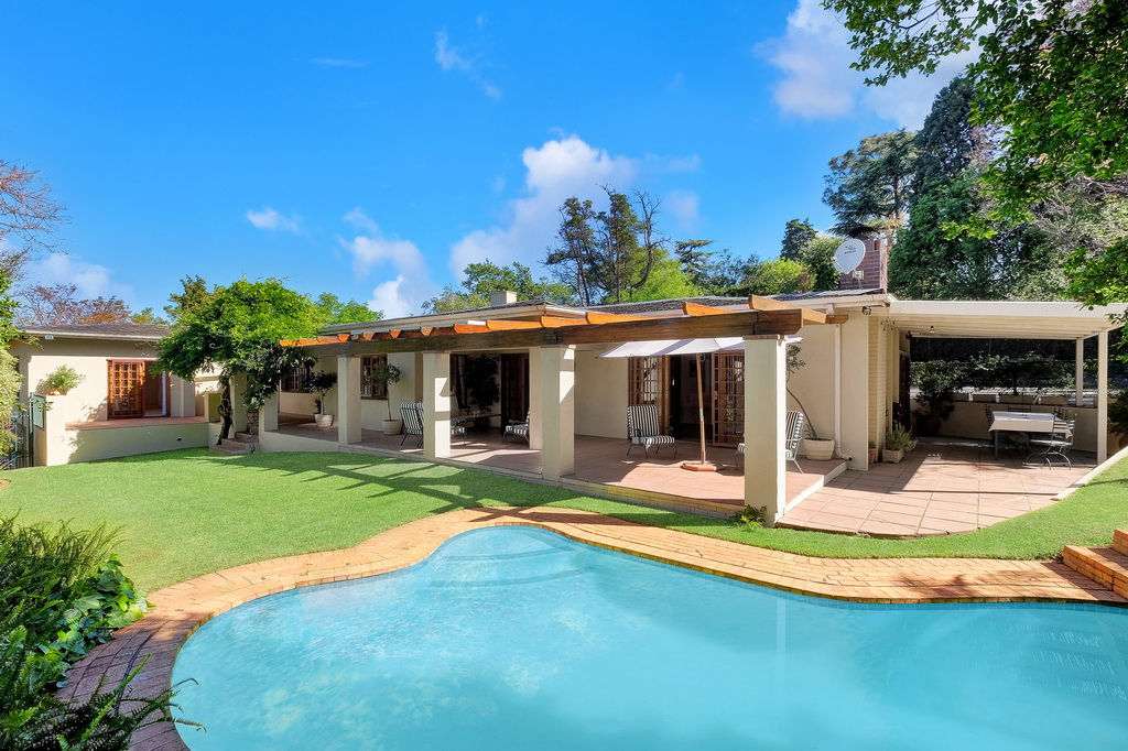4 BedroomHouse For Sale In Oaklands