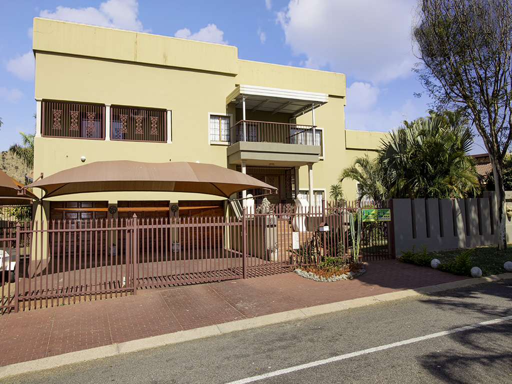4 BedroomHouse For Sale In Amandasig Ext 2 10