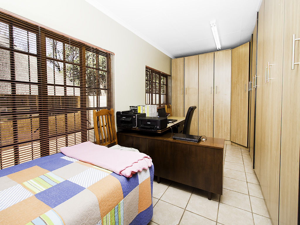 4 Bedroom House for sale in Eldoraigne LH-3753 : photo#19