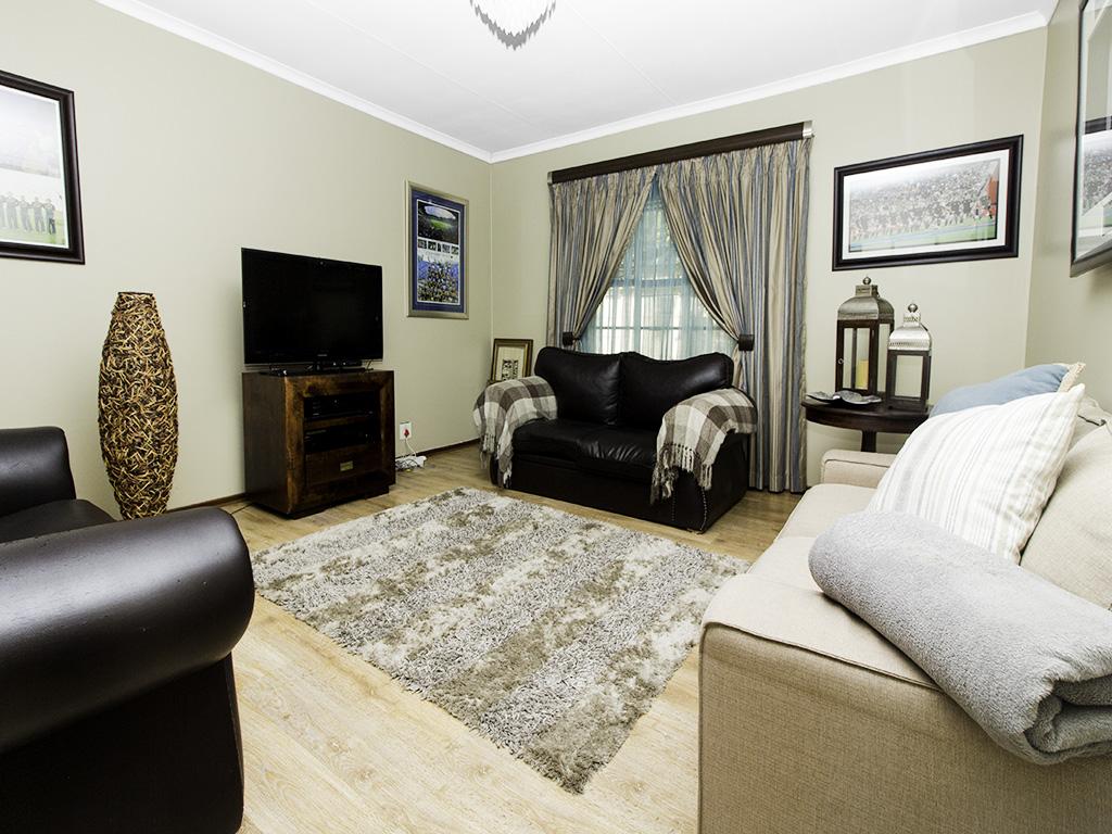 4 Bedroom House for sale in Eldoraigne LH-3753 : photo#6