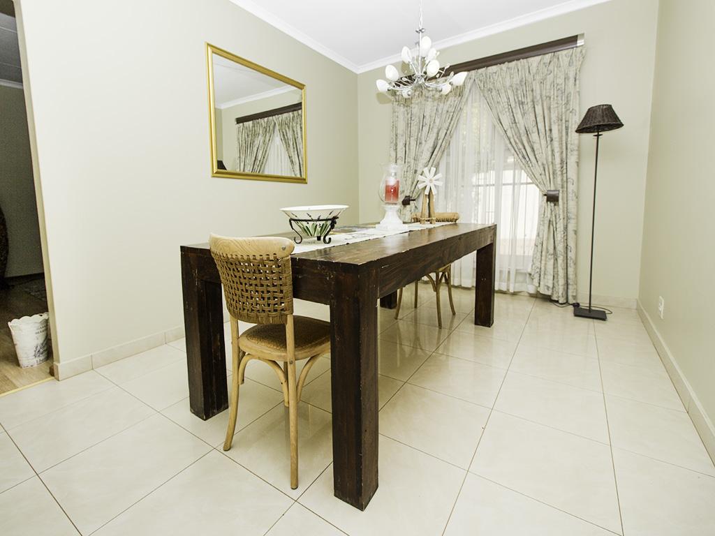 4 Bedroom House for sale in Eldoraigne LH-3753 : photo#7