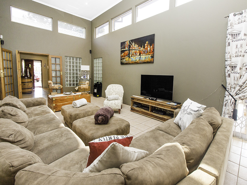 4 Bedroom House for sale in Eldoraigne LH-3753 : photo#4