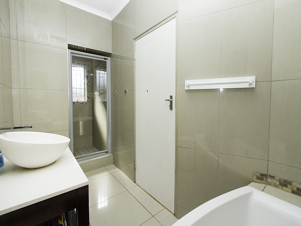 4 Bedroom House for sale in Eldoraigne LH-3753 : photo#11