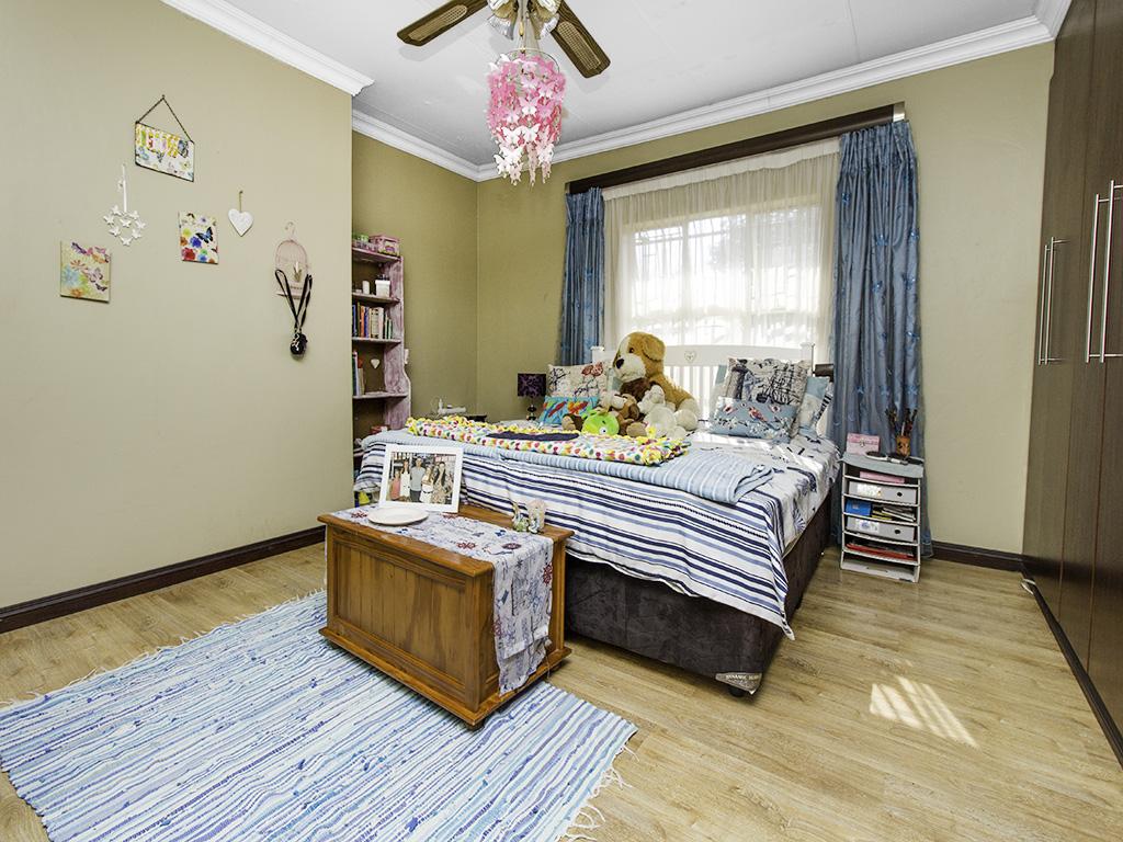 4 Bedroom House for sale in Eldoraigne LH-3753 : photo#17