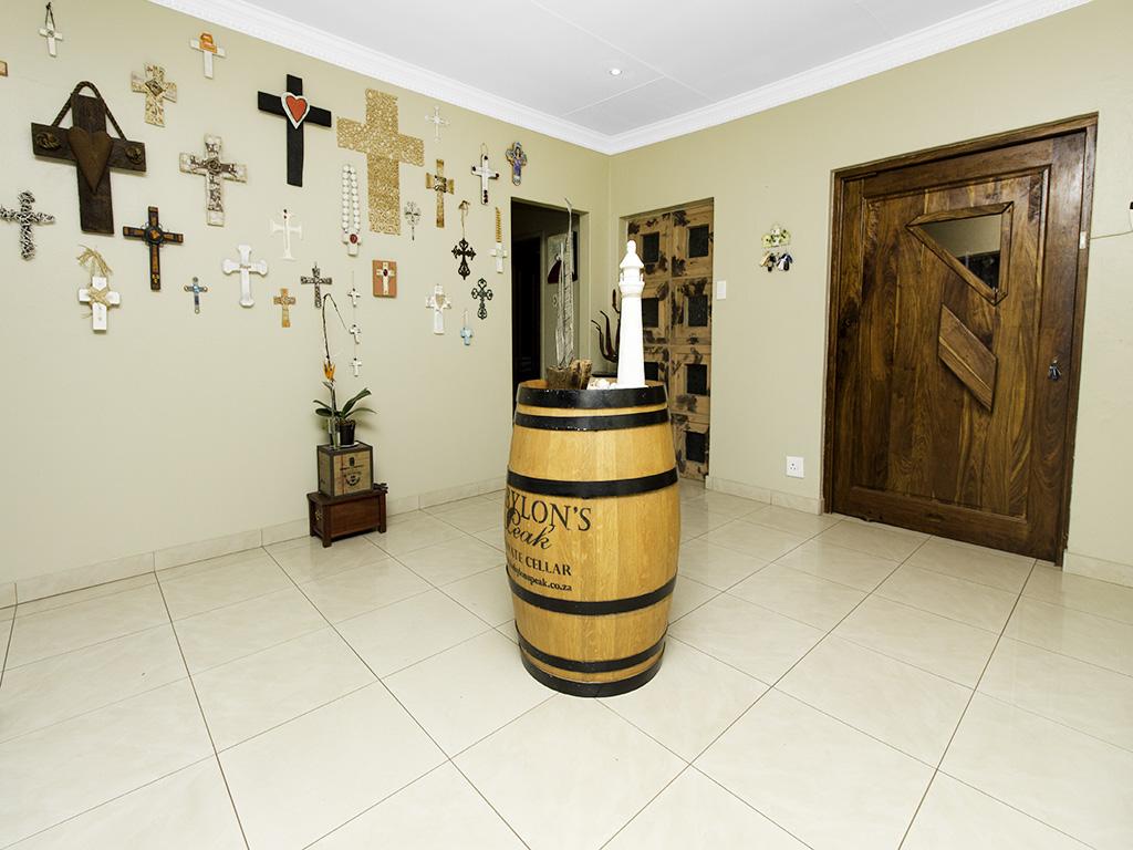 4 Bedroom House for sale in Eldoraigne LH-3753 : photo#21