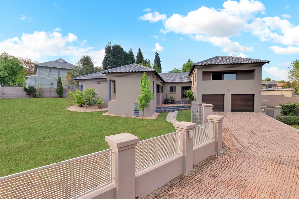 3 BedroomHouse For Sale In Bryanston Ext 65