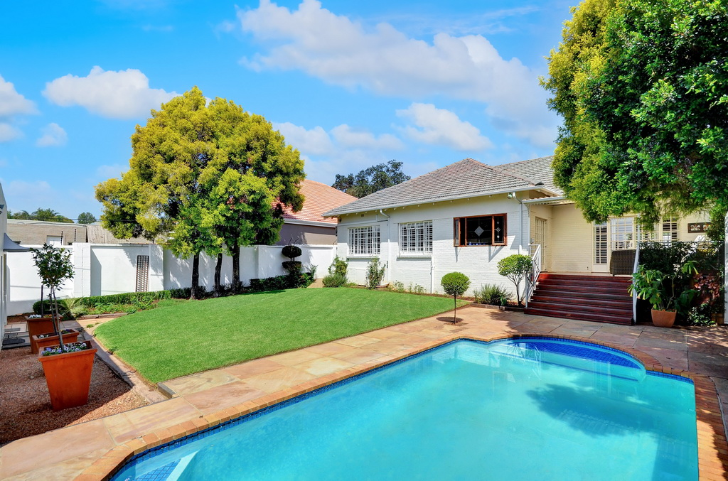 3 BedroomHouse For Sale In Greenside