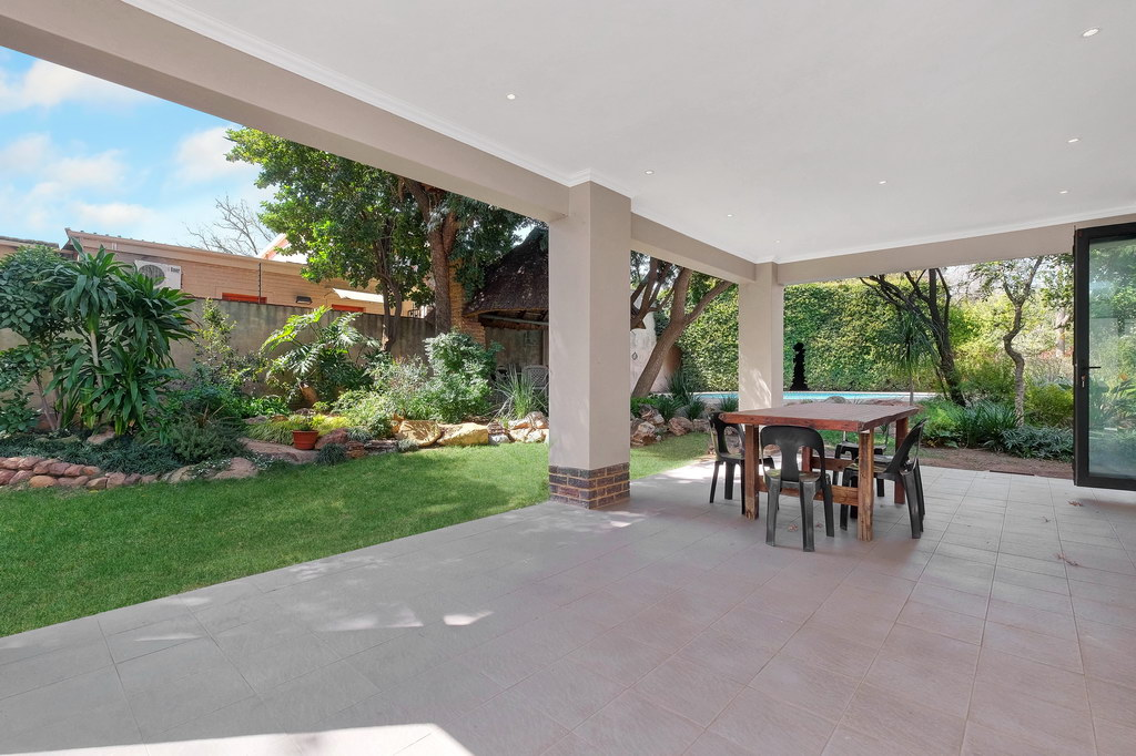 4 Bedroom House for sale in Parkmore LH-3809 : photo#17