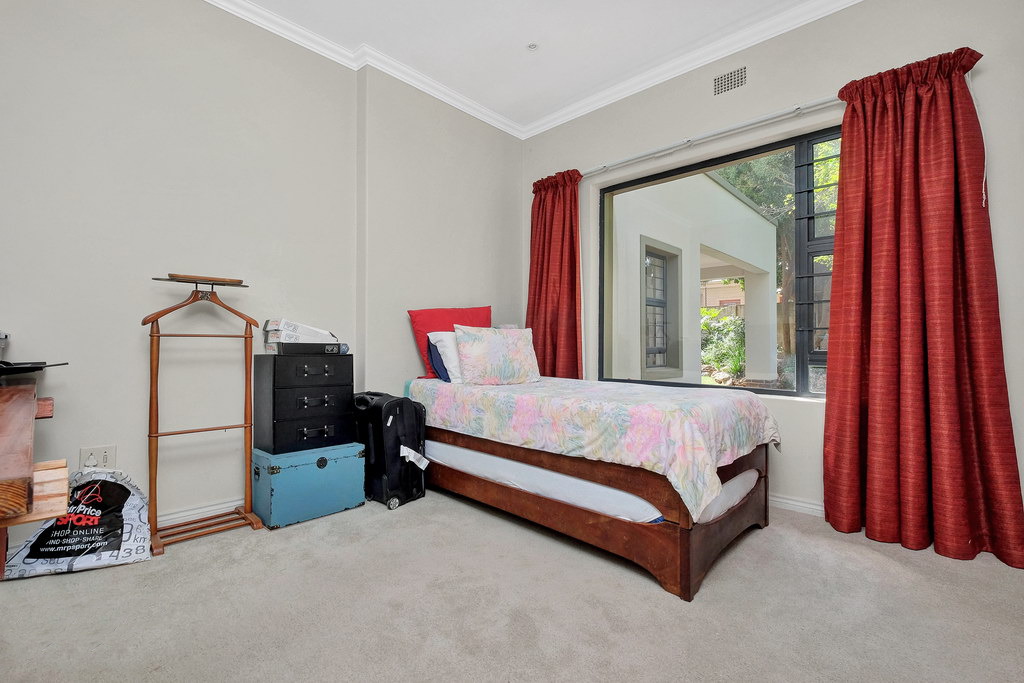 4 Bedroom House for sale in Parkmore LH-3809 : photo#10