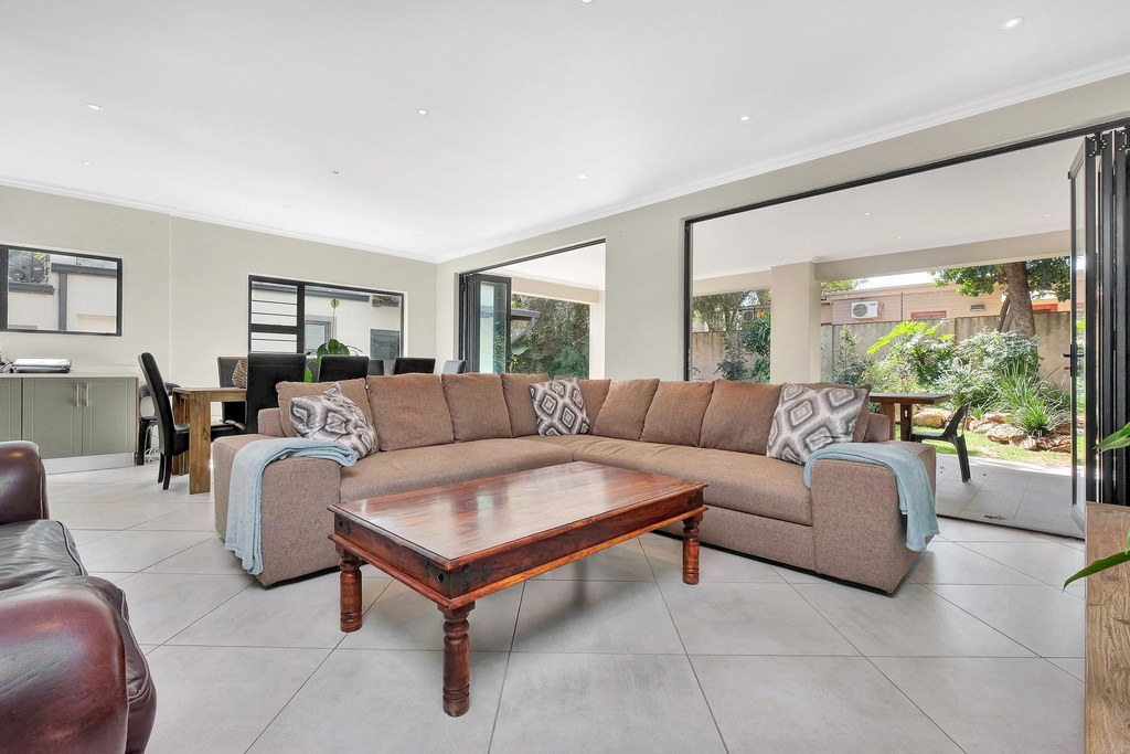 4 Bedroom House for sale in Parkmore LH-3809 : photo#2