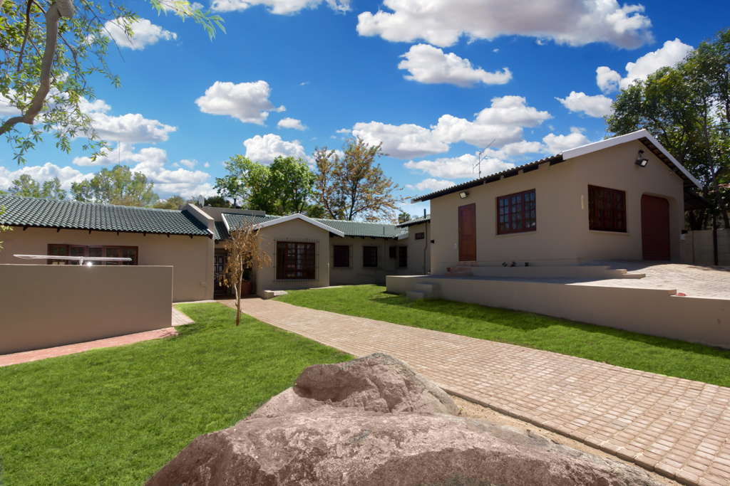 4 Bedroom House for sale in Fourways LH-4058 : photo#0
