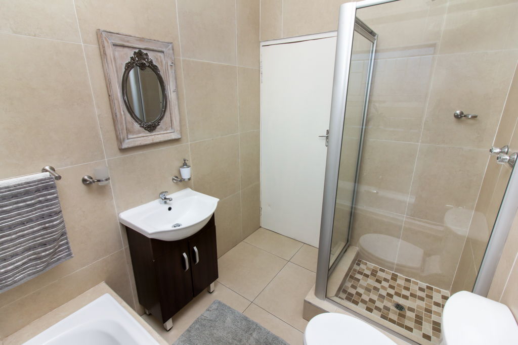 3 Bedroom Townhouse for sale in Radiokop LH-4060 : photo#14