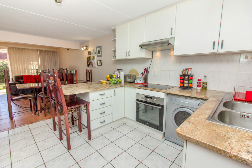 3 Bedroom Townhouse for sale in Radiokop LH-4060 : photo#7
