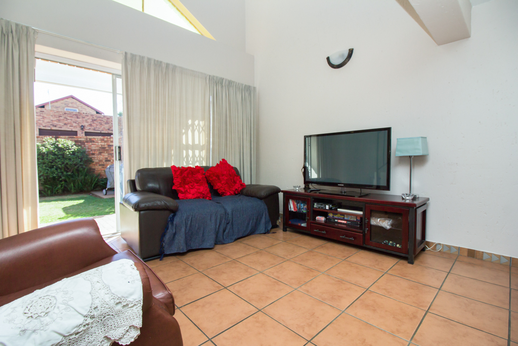 3 Bedroom Townhouse for sale in Radiokop LH-4060 : photo#2