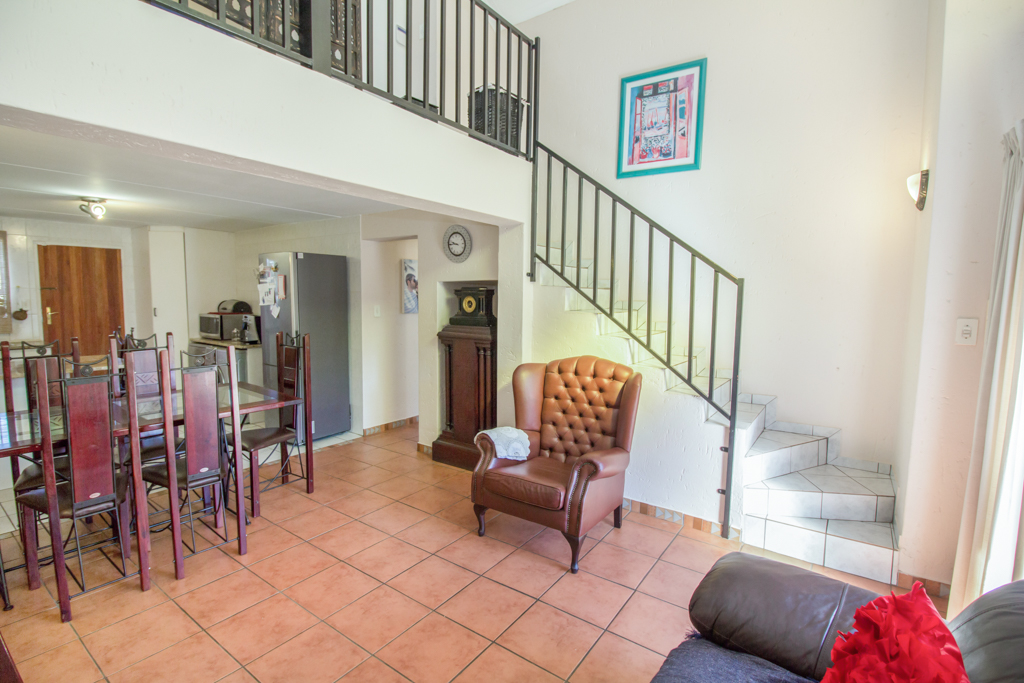 3 Bedroom Townhouse for sale in Radiokop LH-4060 : photo#8